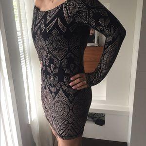 🌟 sparkly half shoulder black and gold dress 🌟